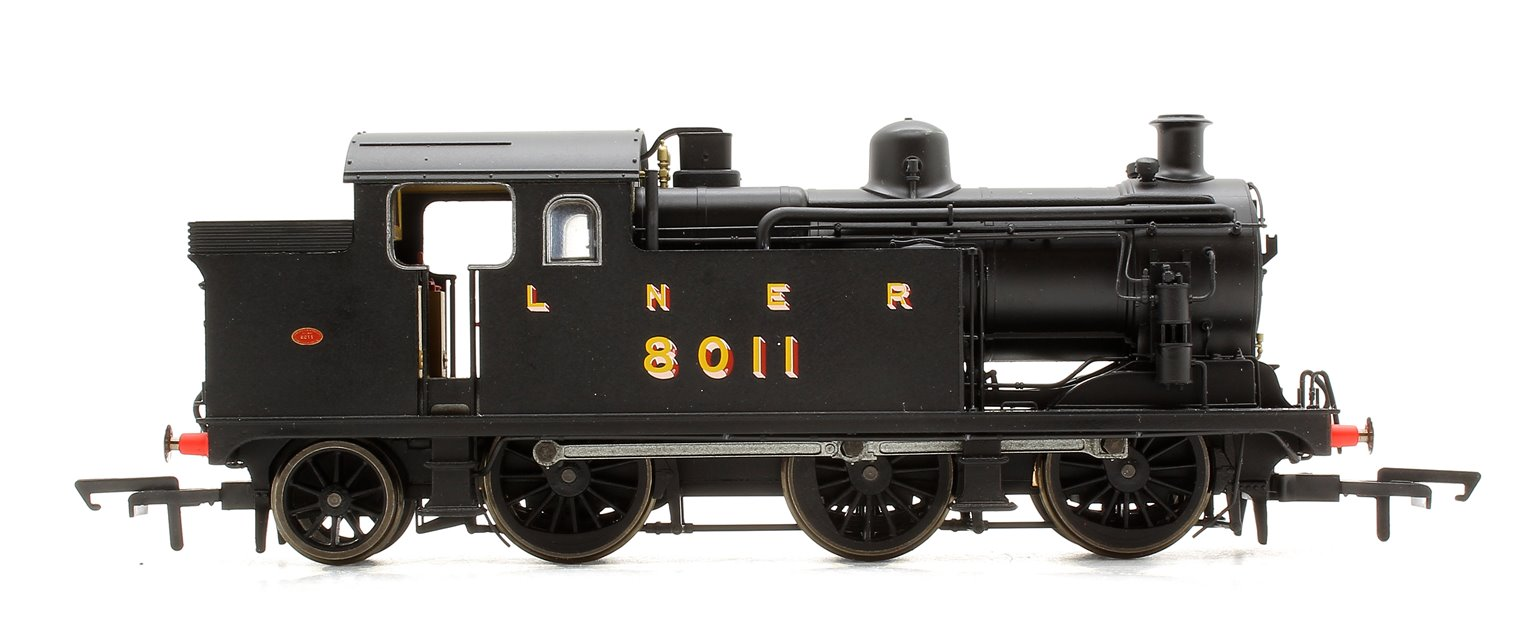 LNER Black Class N7 0-6-2 Tank Locomotive No.8011