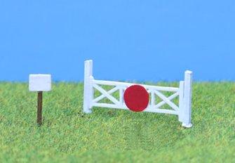 PDB136 P&D Marsh N Gauge Single Track Level Crossing - Unpainted