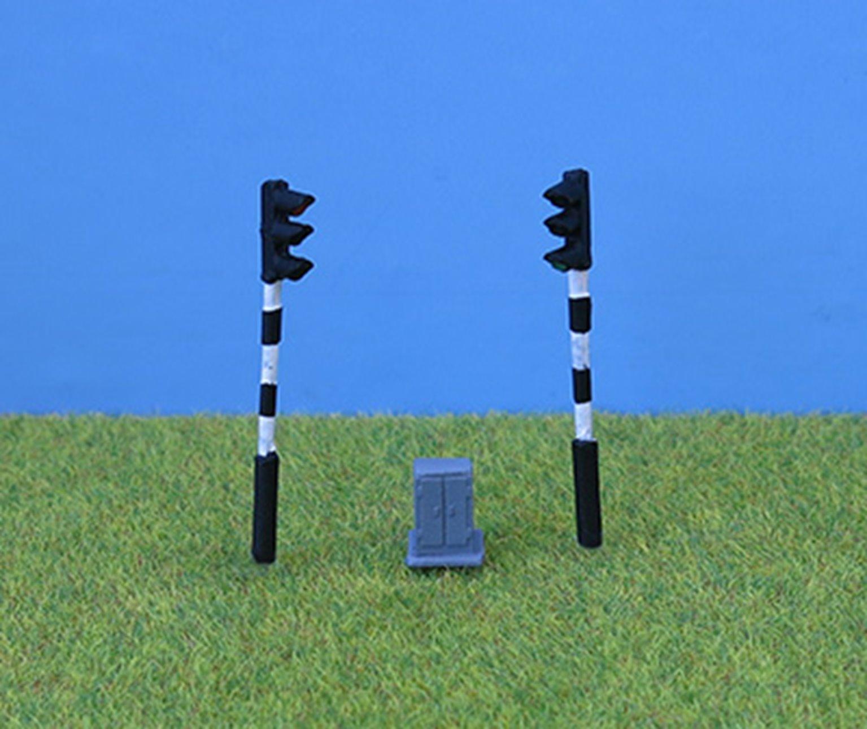PDZ43 P&D Marsh OO Gauge Period Traffic Light - Single Head