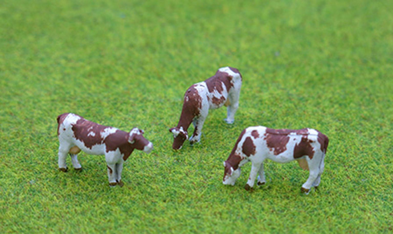 PDZ48 P&D Marsh OO Gauge Cows