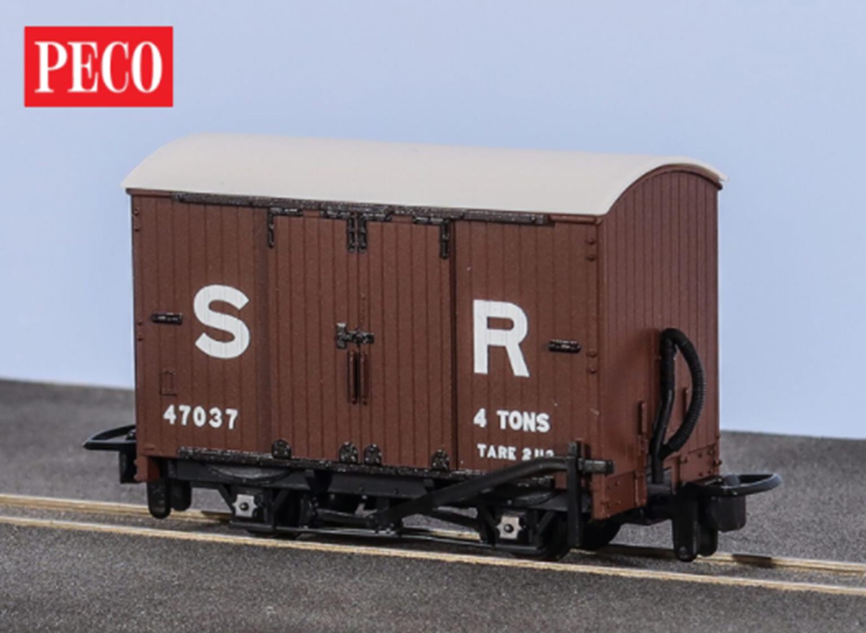 Box Van, SR Livery No. 47037