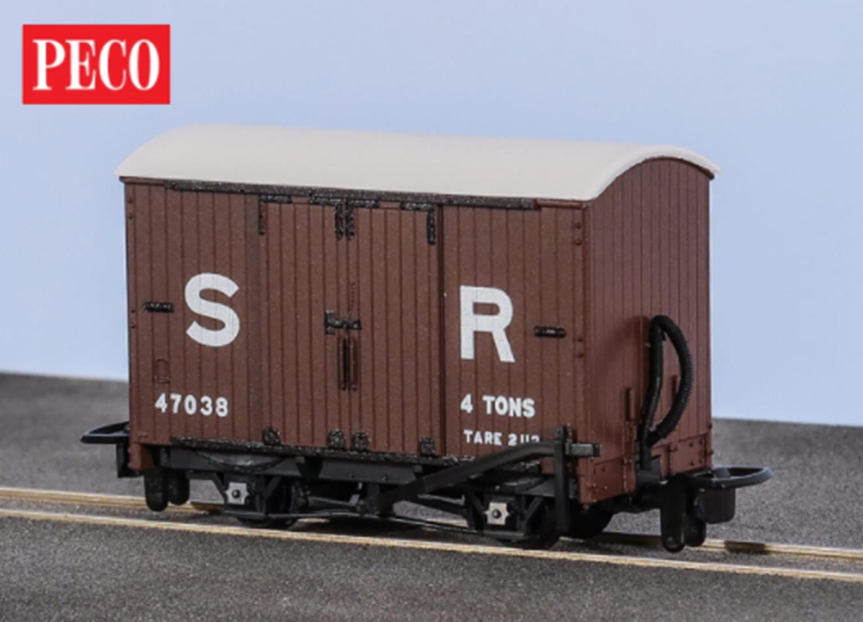 Box Van, SR Livery No.47038