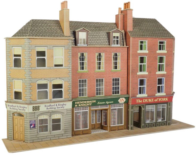 Low Relief Pub & Shops Building Kit