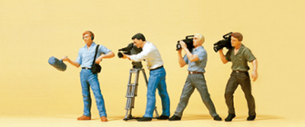 TV Camera Crew (4) Exclusive Figure Set