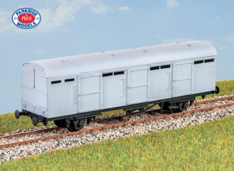 LNER Extra Long CCT (4 Wheel) Van Kit