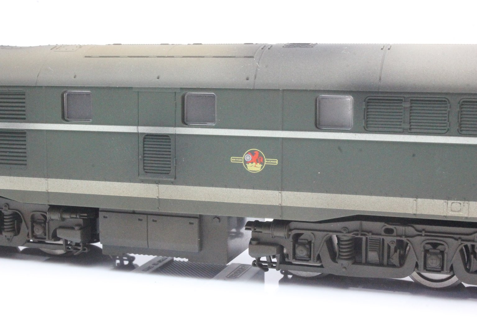 Class 31 'D5551' BR Green AIA-AIA Diesel Loco with TTS Sound - Custom Weathered
