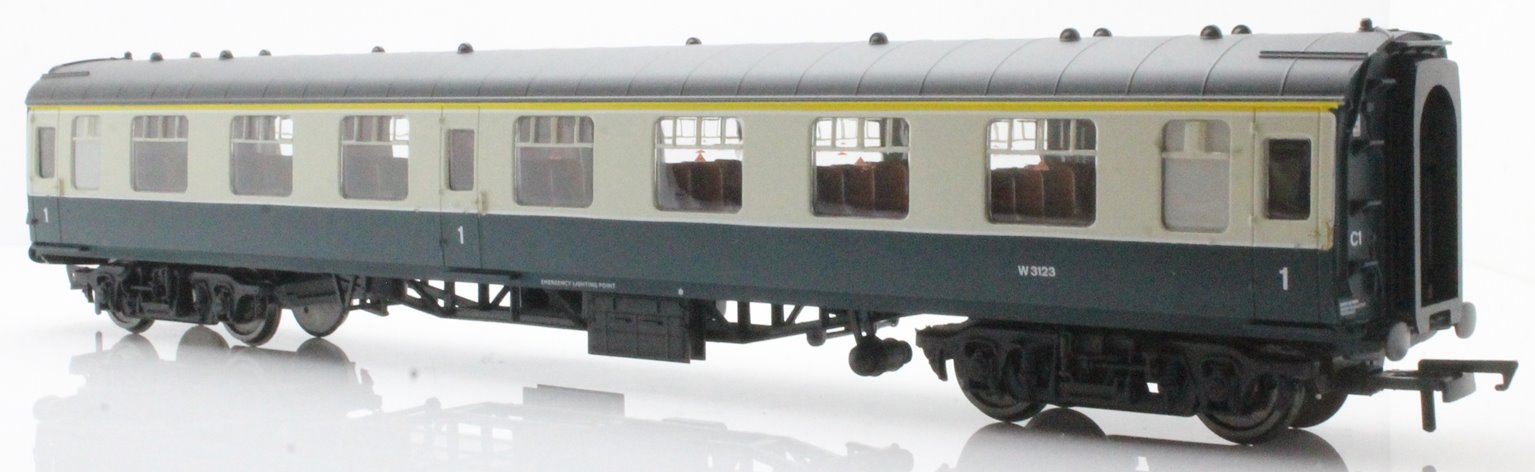 BR Mk1 Coach First Open 'W3123', Blue / Grey Livery
