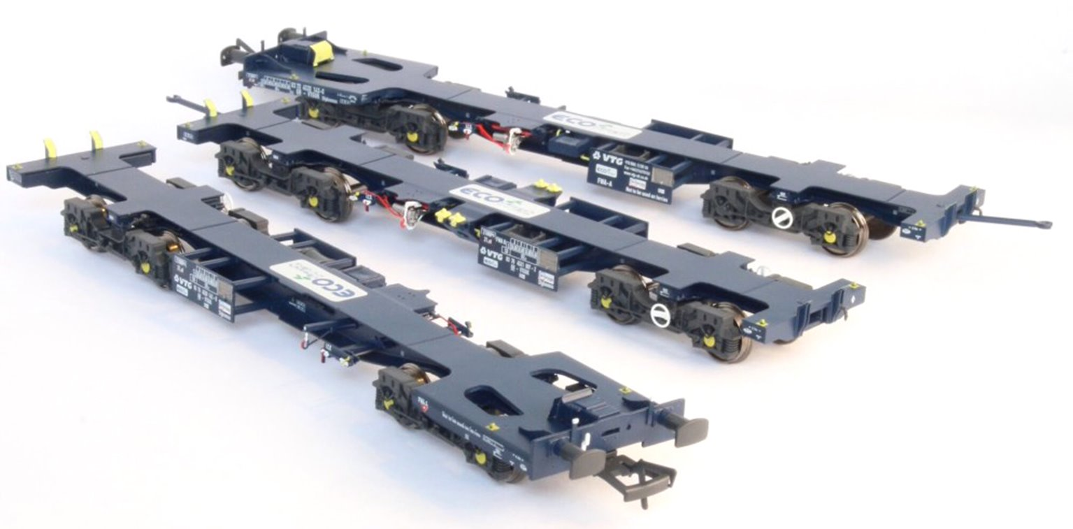 Ecofret FWA Container Flat Triple Wagon Pack - GBRf Blue with Ecofret branding