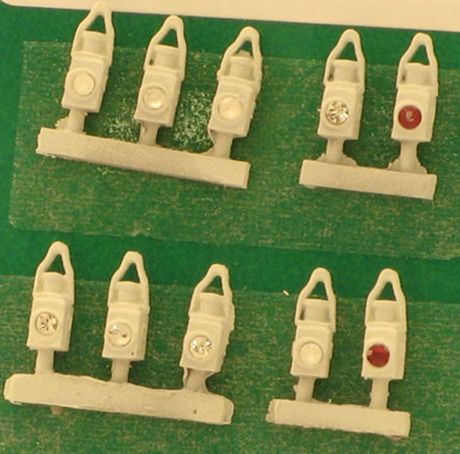 DA19-2 BR White Head and Tail Lamps (10)