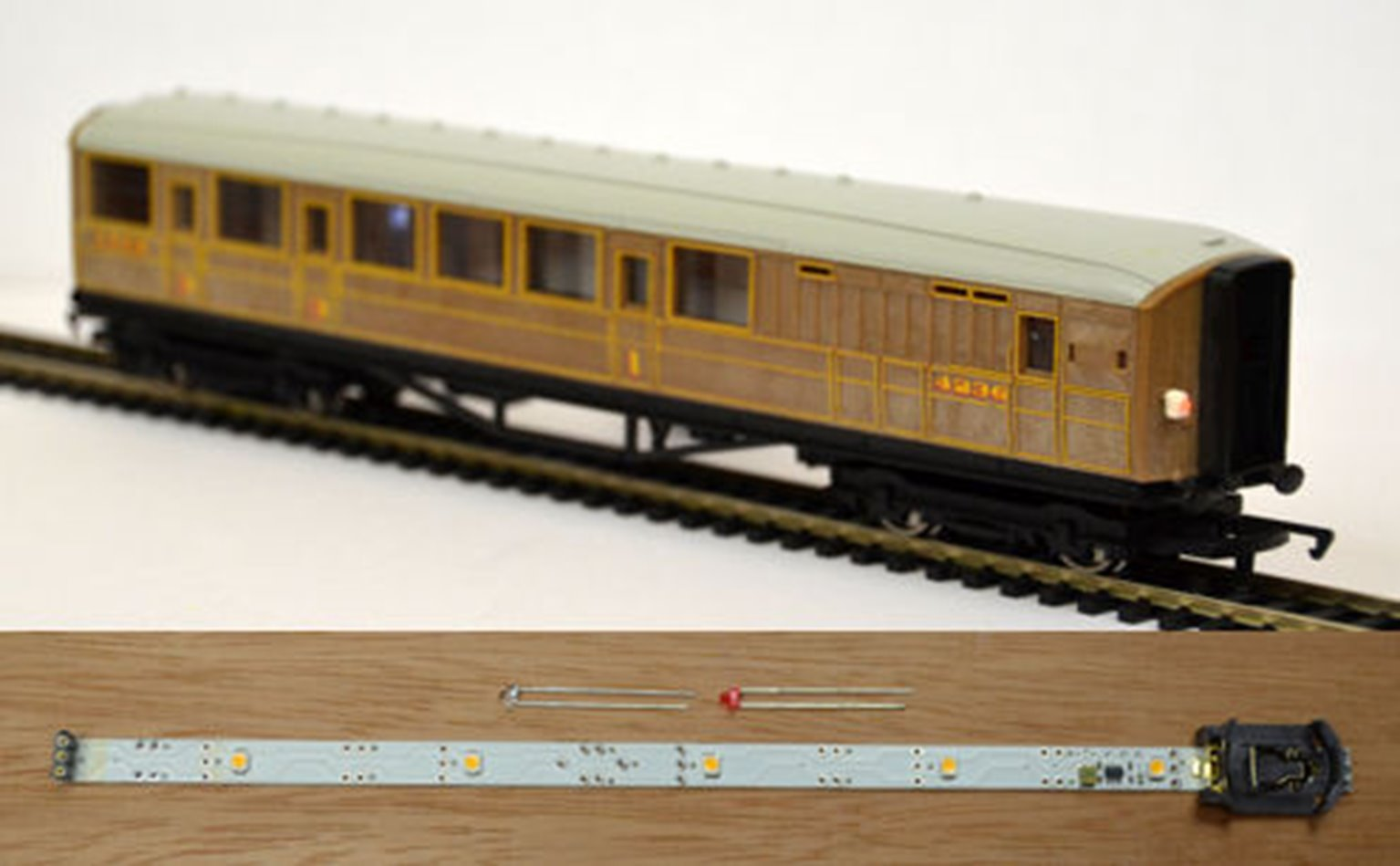Automatic Coach Lighting Warm White/Constant Tail