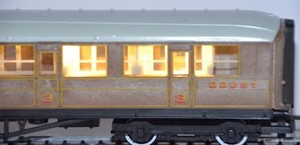 Train Tech CN2 Automatic Coach Lighting - Warm White/Standard
