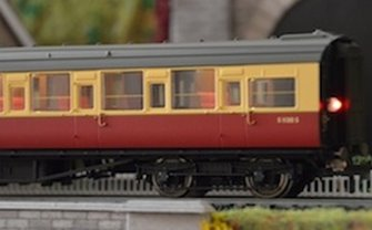 Automatic Coach Lighting Warm White/Flickering Tail