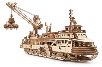 Mechanical wooden Model Research Vessel