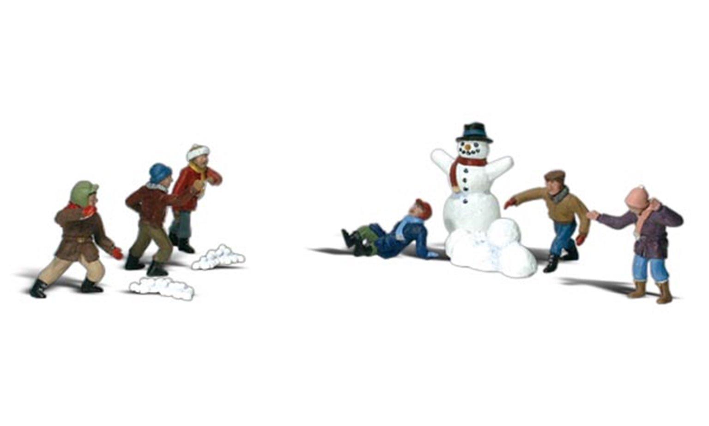 Woodland Scenics WA2183 N Gauge Figures - Snowball Fight
