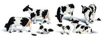 Woodland Scenics O Gauge Holstein Cows