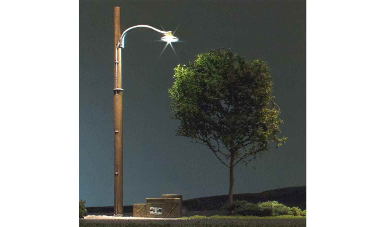 Wooden Pole Street Lights - HO Scale