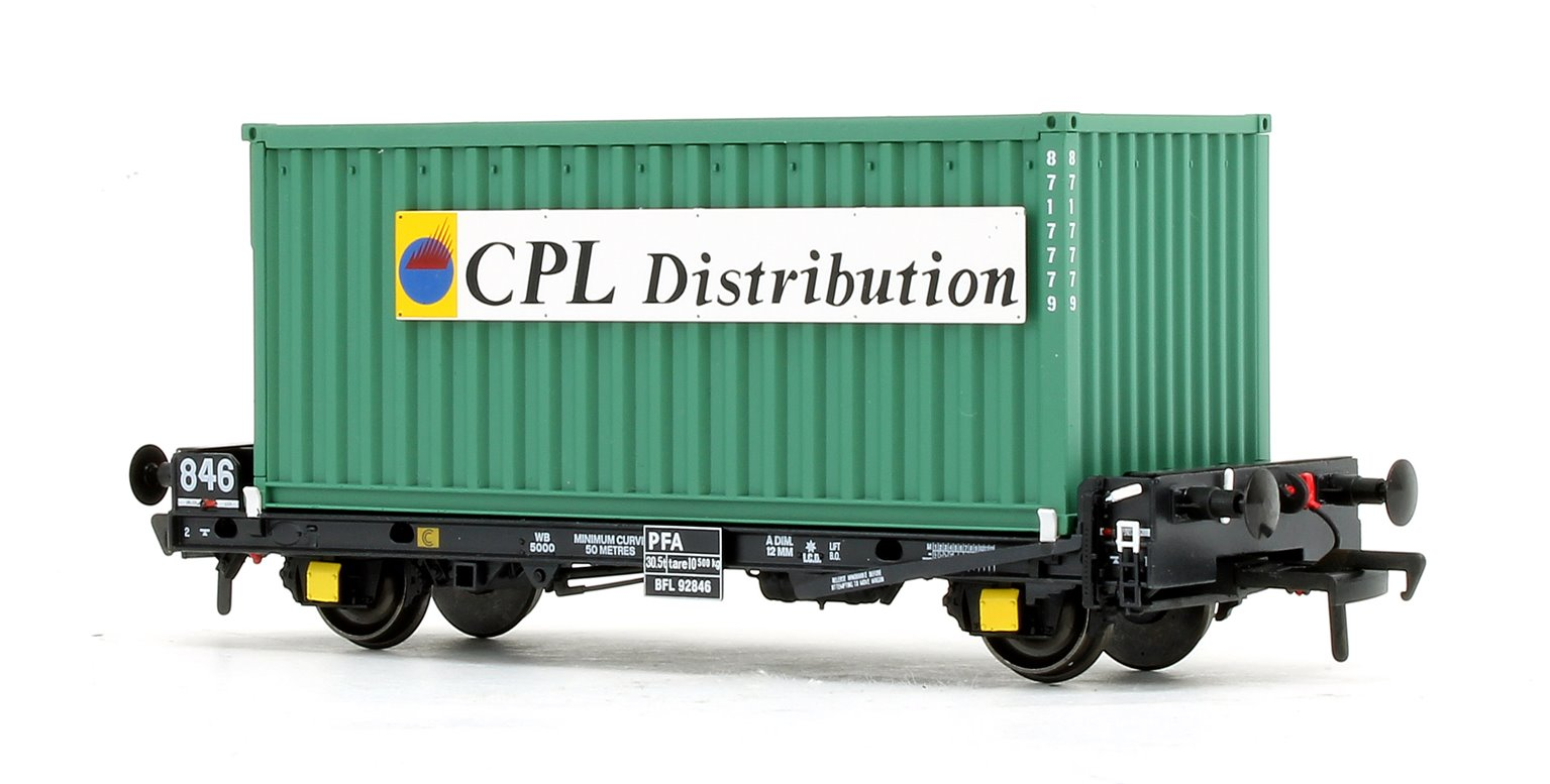 Set of 3 PFA 2 Axle Container Flat Wagons with Green CPL Distribution Containers