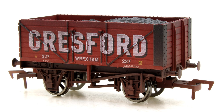 7 Plank Wagon Gresford Wrexham 227 Weathered