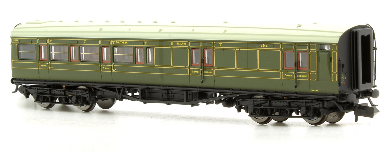 Maunsell Coach SR Brake 3rd Class Lined Green 3214