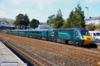 Class 43 HST 43041/093 GWR Castle Set