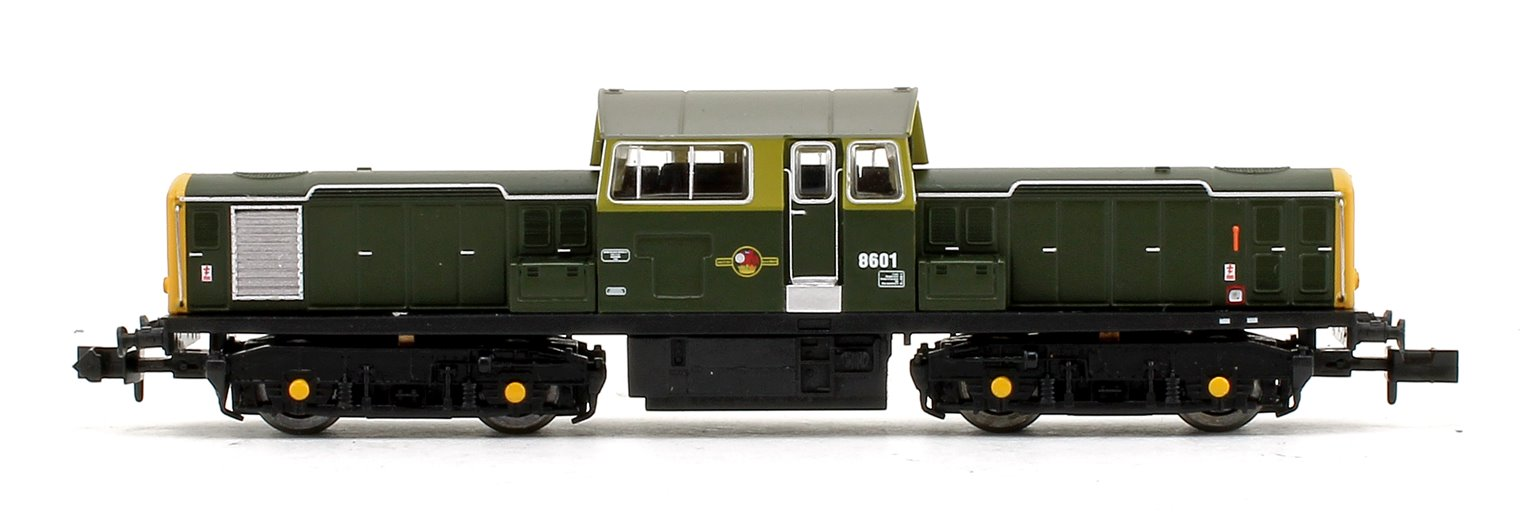 Class 17 8601 BR Green (Full Yellow Ends) Diesel Locomotive