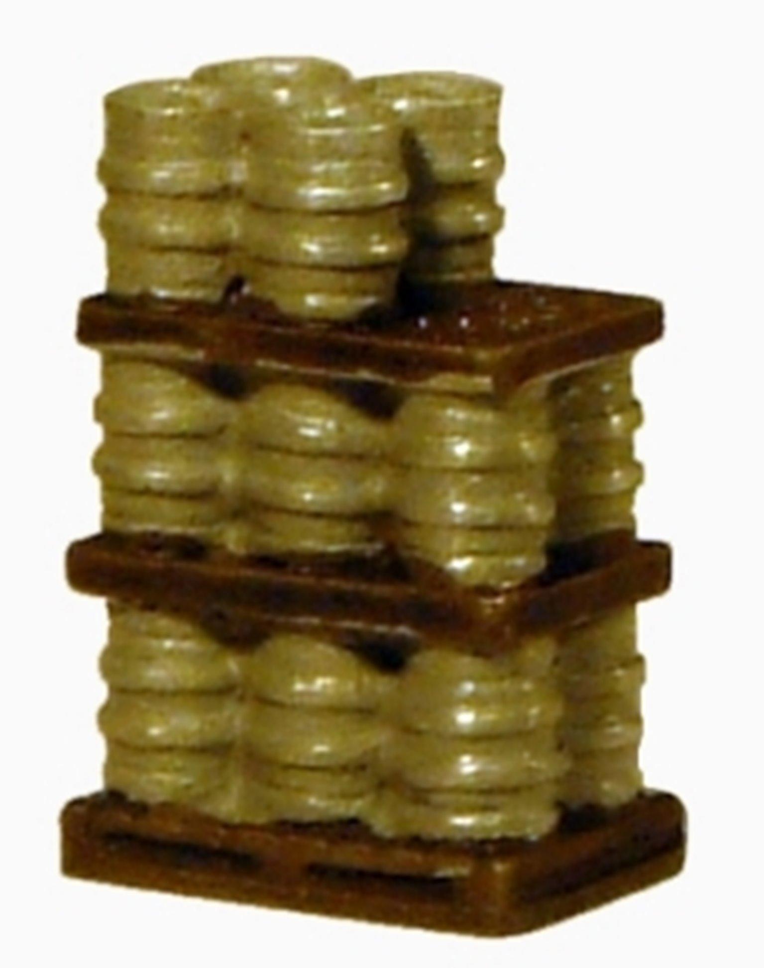 Alloy kegs on pallet - 3 tier part load