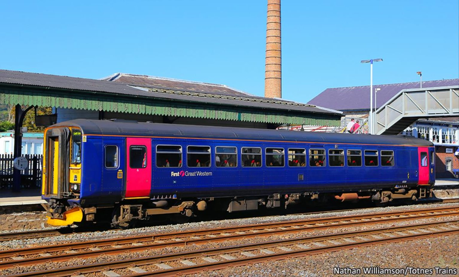 Class 153 329 First Great Western (Revised) Diesel Locomotive