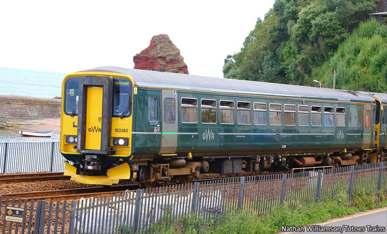 Class 153 380 GWR Green Diesel Locomotive