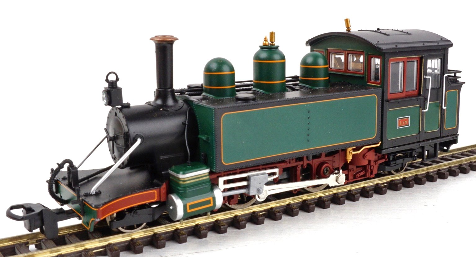 Lynton & Barnstaple Baldwin 2-4-2T L&BR dark green E762 Lyn (1906-22 with stovepipe chimney and SR numberplate)