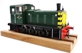 Class 03 (Un-numbered) BR Green with wasp stripes Diesel Shunter (Flowerpot Exhaust)