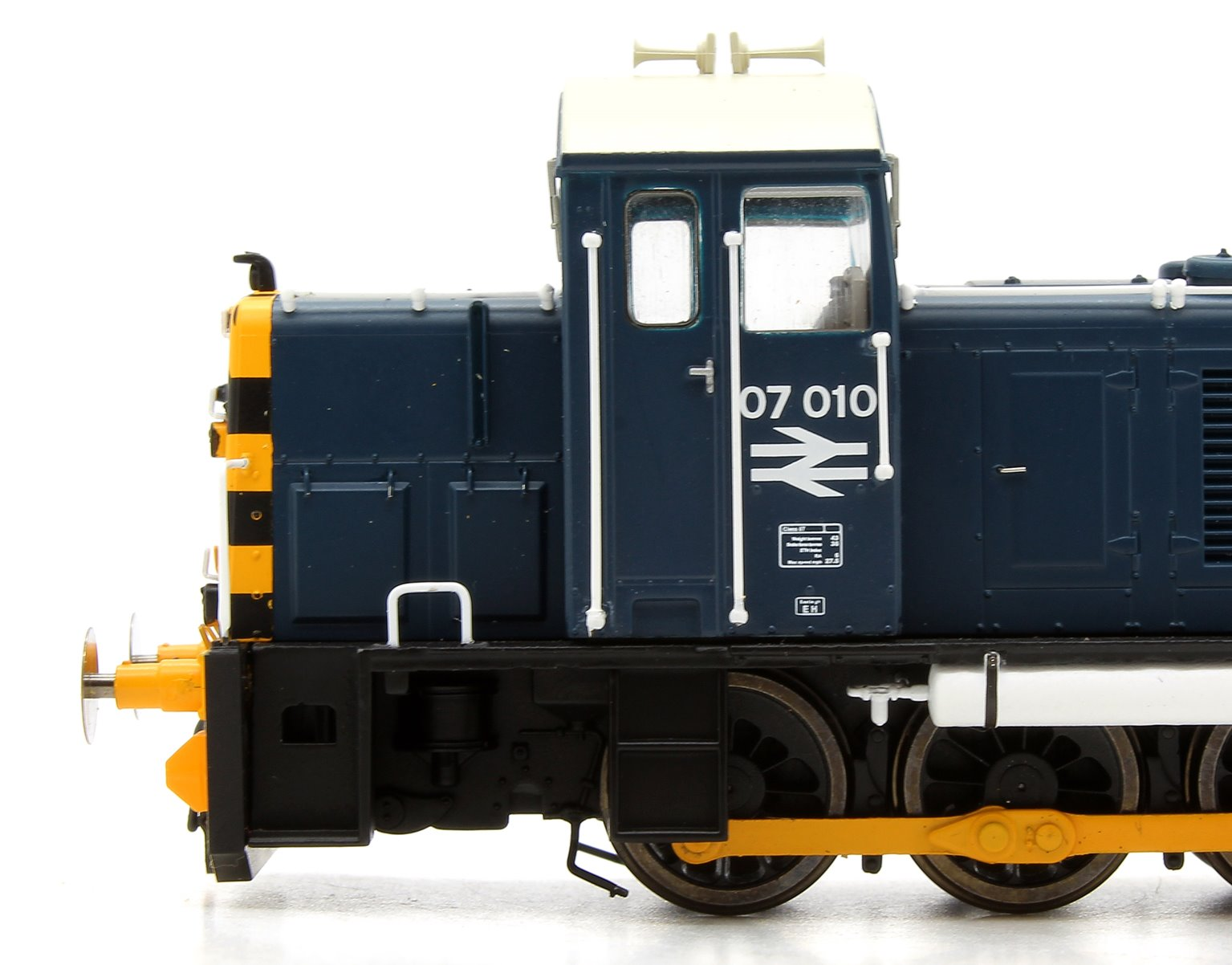 Class 07 (V1) 07010 Br Blue with 'Wasp' Stripes