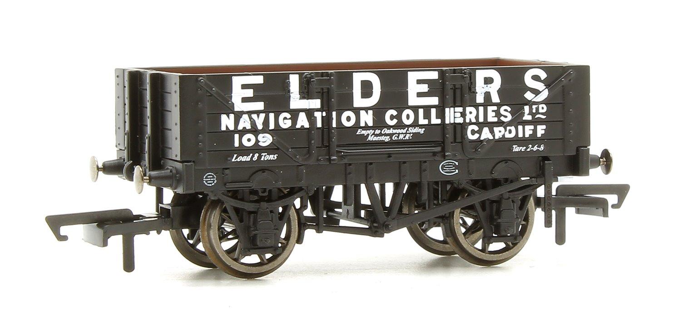 4 Plank Wagon, Elders