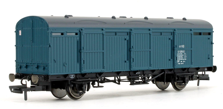 BR (exLNER) Blue Extra Long CCT Van E1251E