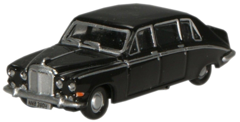 Black Daimler DS420 Limousine