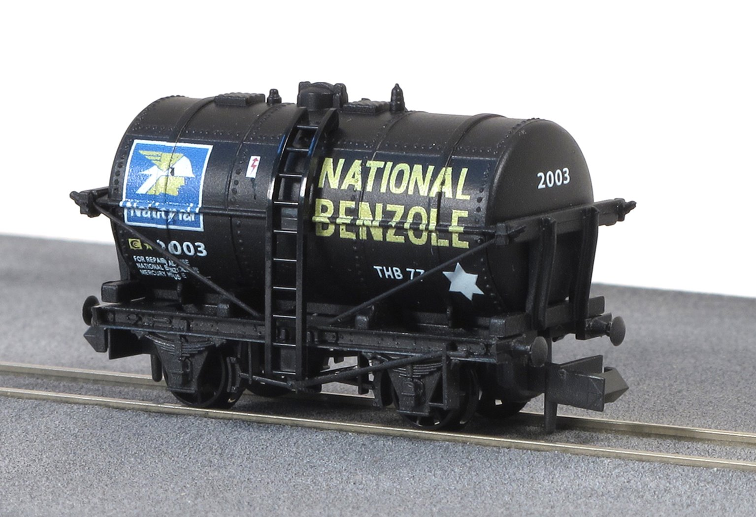 "4-wheel 10ft tank wagon ""National Benzole"" in black"