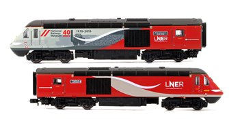 "Class 43 LNER HST Twin Pack - 43238 ""NRM 40"" 40th Anniversary LNER Power Car & 43302 ""World Speed Record - HST"" LNER Trailer Car"