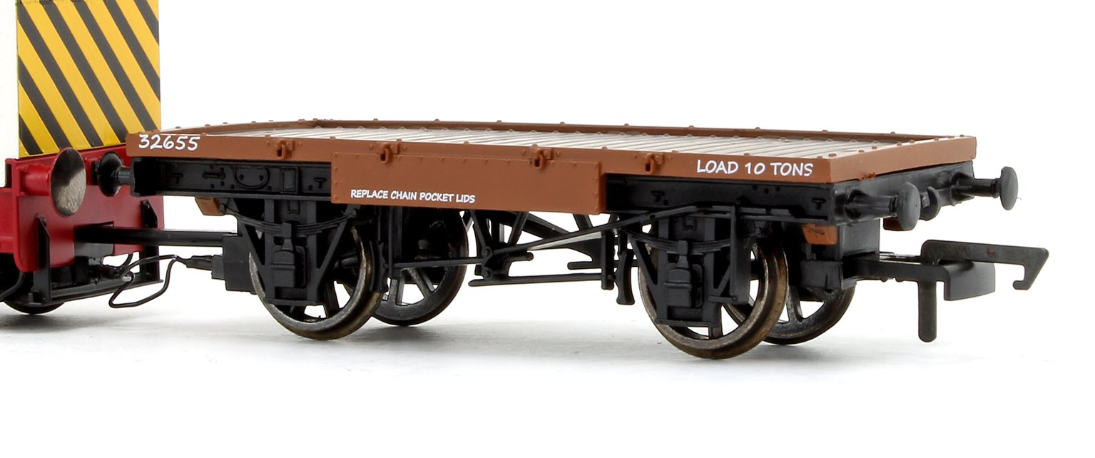 John Dewar & Sons Ruston & Hornsby R&H 48DS 0-4-0 Locomotive No. 458957 with Flatbed Wagon