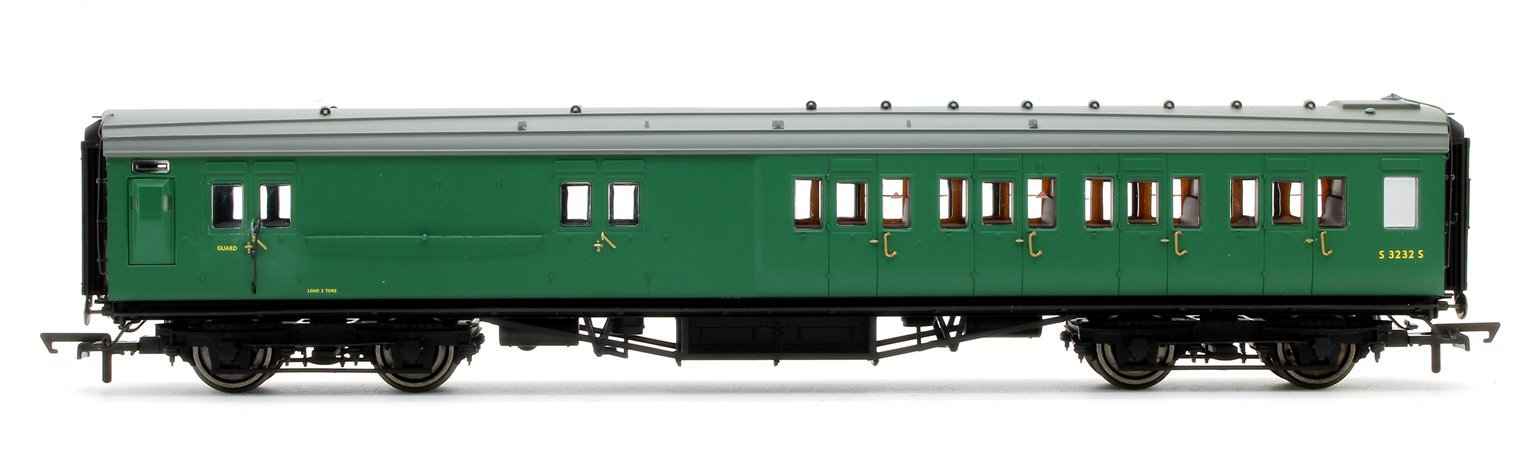 BR (exSR) Green Maunsell Corridor Four Compartment Brake Second Coach S3232S 'Set 399'