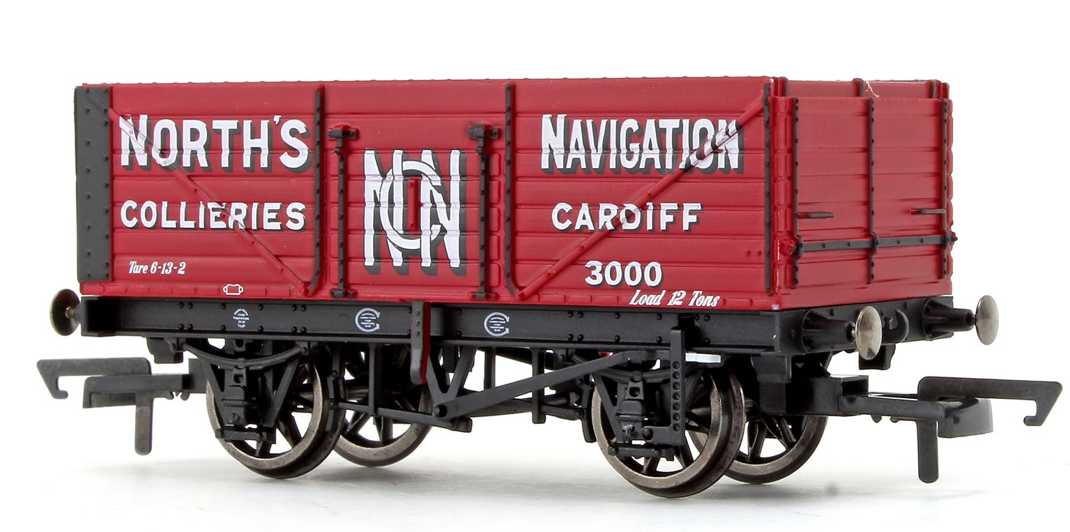 'North's Navigation' 7 Plank Wagon No. 3000