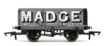 Madge 7 Plank Wagon No.62