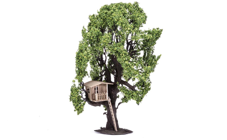 Tree (with Tree House)