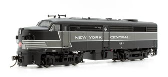 Alco/MLW FA-2 Locomotive - NYC Lightning Stripe Scheme #1121 - DC/DCC/Sound
