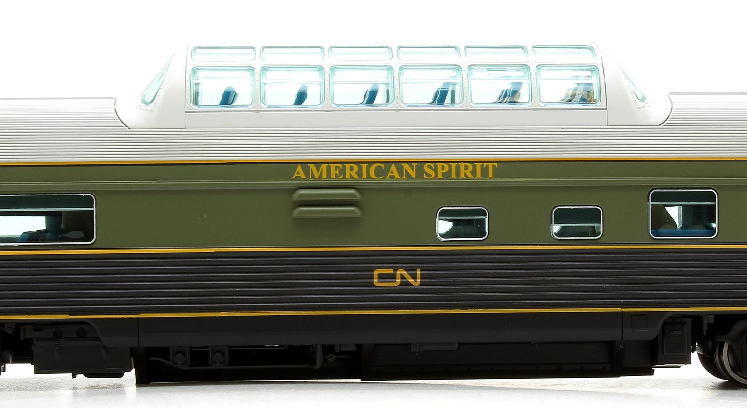 "Budd Mid-Train Dome Car - CNR Green ""American Spirit"" - Voiture Skyline"